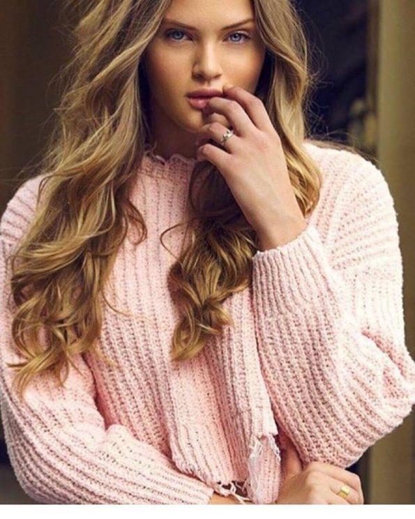 Сладък розов пуловер Пинк
